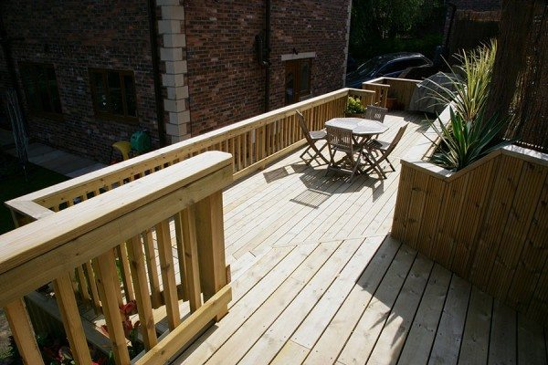 Multi-level deck, perfect as an outdoor dining area