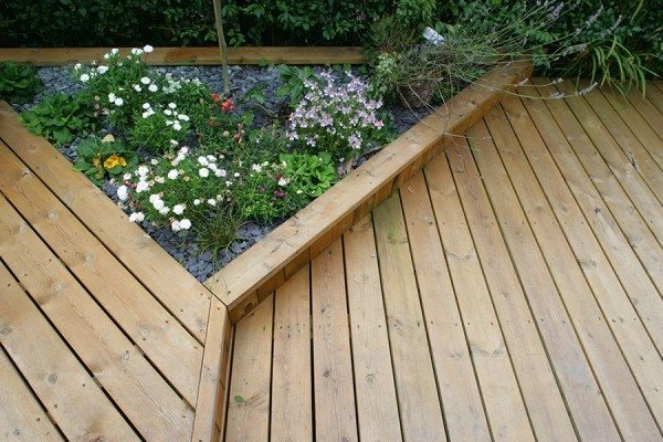 Smooth deck boards and planter