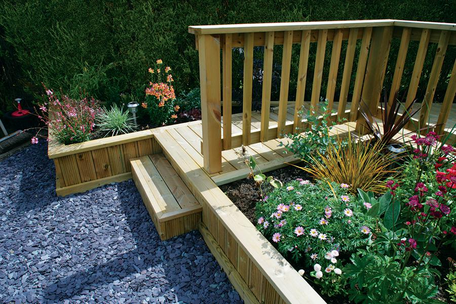 Modern timber deck railings