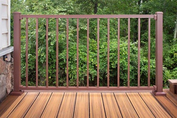 Trex Signature Railing in Bronze