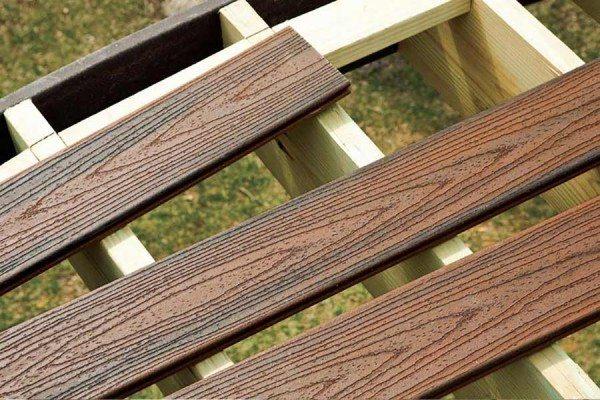 Installing Trex Transcend Spiced Rum grooved composite deck boards