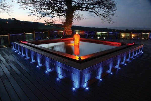 Spotlight used around composite decking water feature