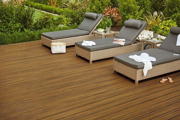 Sun lounges on Trex Contour Torino Brown