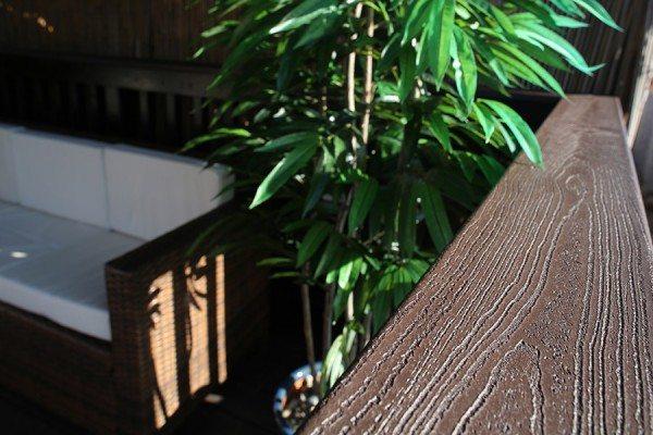 Handrail close up of Trex Transcend composite decking in Vintage Lantern