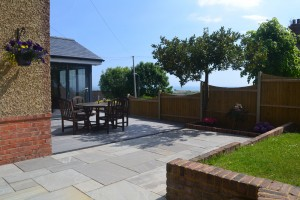 seating area with flat decking