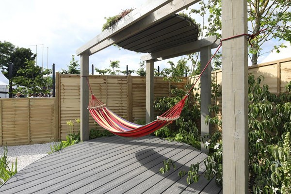 Circular deck with canopy in Trex Transcend Island Mist by Halcyon Days Garden Designs