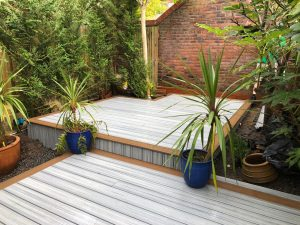 Trex Island Mist deck with edging in a different colour