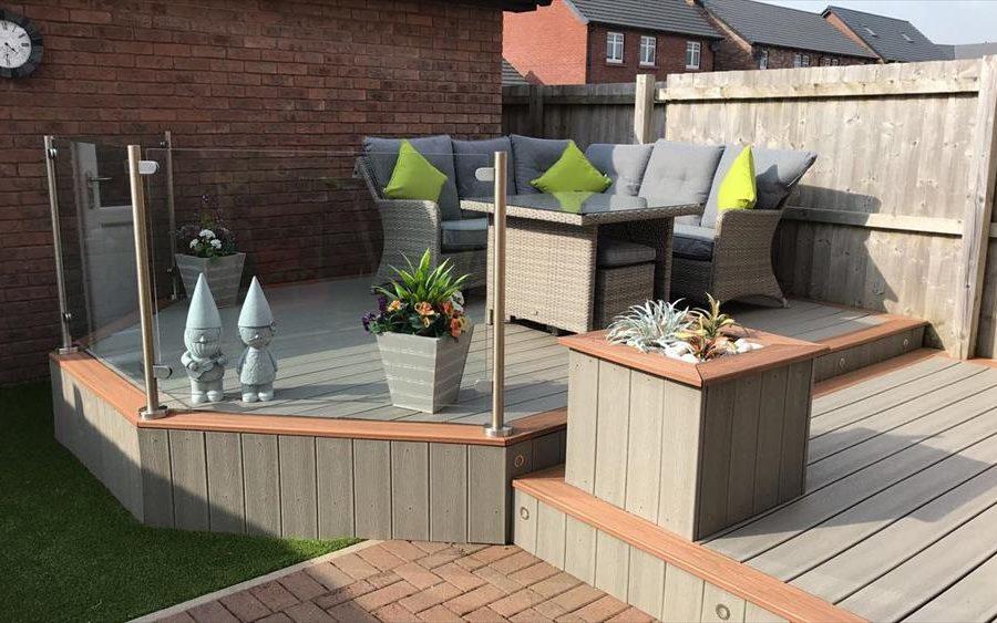 Trex deck with garden furniture