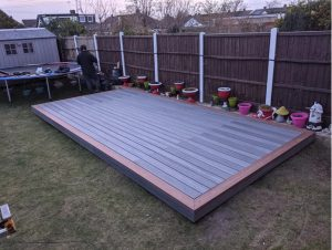 Rectangular Trex deck using brown and grey deck boards